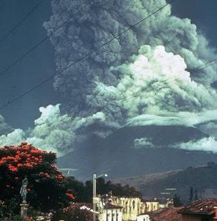Volcan de Agua & Fuego