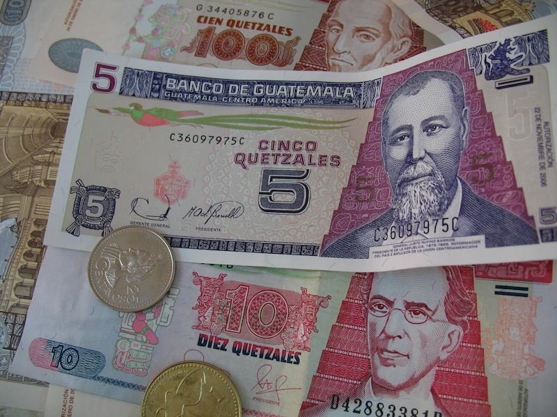 Changing Us Dollars To Quetzal In Guatemala